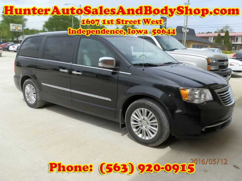 2015 Town and Country Black Van for Sale
